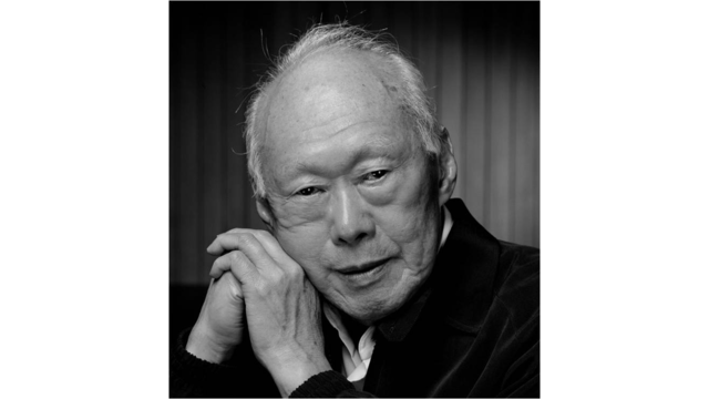 Singapore's first Prime Minister Lee Kuan Yew dies aged 91 http://t.co/CUYOUZKHNA http://t.co/xU5y0EQCsP