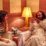 RT @AOLSwamiji: Famous actress & anchor Ms Koel Purie @koelscouch called on Gurudev @SriSri Ravi Shankar Ji in #Bali @voicesofiwc http://t.…