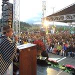 """Todos debemos arrimar el hombro para construir el nuevo #Ecuador"" @MashiRafael #PasoLateralLatacunga http://t.co/yoB2NN8hFw"