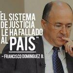 """Manifestantes llevan ataúd frente a la Suprema para """"enterrar"""" a la justicia dominicana http://t.co/1AMLZnZtPF http://t.co/2K3ruqrpe5"""