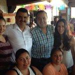 Convivimos con valiosas mujeres que organizaron un festejo a nuestro amigo @rafaelgresendiz por su cumpleaños. http://t.co/Wgt1Hxx1aj