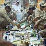اعجبتني جدا اللهم احفظ مليكي وجه الخير وزده تواضعا على تواضعه #الملك سلمان بن عبد العزيز آل سعود #وجه الخير http://t.co/d3pfpbICTn