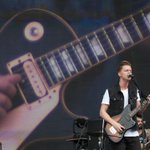 A banda Scalene abre o segundo dia do Lollapalooza 2015. SIGA EM TEMPO REAL: http://t.co/tXdFxDiTxA #G1 http://t.co/kLJLEGuPdJ