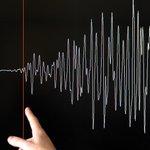 【地震】パプアニューギニア沖でM7.7、1000キロ圏内に「危険な津波」の恐れ http://t.co/OrelMRydUl 震源地はニューブリテン島ココポから約54キロ、首都ポートモレスビーから789キロで、震源の深さは65キロ。 http://t.co/Uj3vKA6OfS