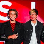 Hey @tacobell, what do you think of the #5SOSFAM taking home the #BestFanArmy Award at our #iHeartAwards? http://t.co/b6zgHXdrcS
