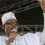 Buhari closes in on historic win as vote counting draws to a close #NigeriaDecides http://t.co/JzTpwDyMWc http://t.co/R6hpYv71uF