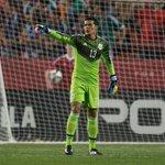 Melitón Hernández dijo sentirse feliz tras su debut con el Tri | FOTO: MEXSPORT http://t.co/Iy2zHuAohb http://t.co/MlwTsBNAhr