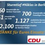 Habt ihr #Niklas gut überstanden? Danke an @polizeiberlin @Berliner_Fw und @thwberlin für den unermüdlichen Einsatz! http://t.co/7vVaSaUa7l