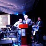 Cuenca se enciende hoy de Azul, conmemorando el día del autismo. @SETEDIS http://t.co/XHrPoe20Xz