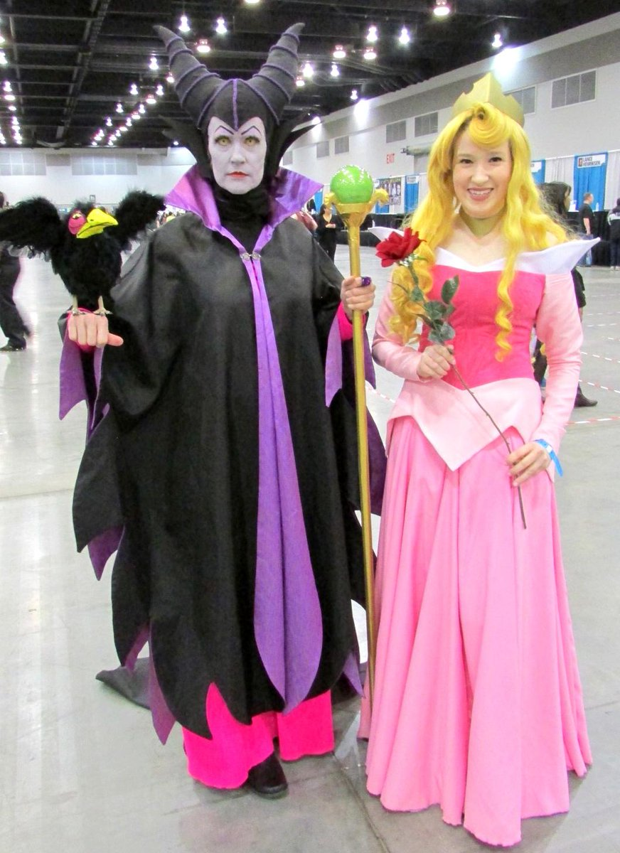My favourite cosplay at @FANEXPOVAN so far! I LOVE the original Sleeping Beauty. #FanExpoVan http://t.co/9Y8JH2C26a