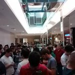 Os que chegaram depois... #lazygeeks #AppleStoreMorumbi #applesp http://t.co/QVgRfOv5RP