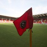 The sun is out at Bramall Lane and today its the Blades against the Bantams in @SkyBetLeague1 #twitterblades http://t.co/ekqLl80e8T