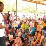 Watoto wa #Buhangija wanaishi katika hali ngumu sana. Kitanda kimoja wanalala watoto 5. Wanahitaji vitanda 50 zaidi http://t.co/DUkt6G0I2x