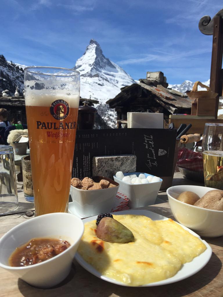 I could think of worse ways to spend a Friday. #zermatt #Switzerland http://t.co/gUCBaUkFdL