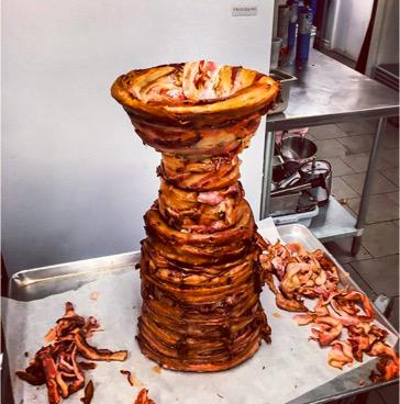 Are yo ready to have your mind blow? The #StanleyCup made of bacon. @sophielui #NHLPlayoffs http://t.co/TI7QL5SpVF
