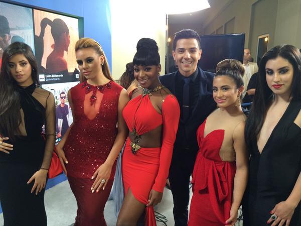 Evenpro  (@Evenpro): ¡Porque ustedes lo pidieron! Acá las bellas integrantes de @FifthHarmony en la alfombra roja de los #Billboard2015 http://t.co/mUz9wrFduY