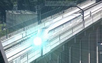 【速報】リニア新幹線が600キロを越えた瞬間、先頭車両が約4秒間発光する「デロリアン現象」を確認。JR東海では時間移動も視野に営業目指す。(虚構新聞社/12:55配信) http://t.co/VfgVkh2Hdc