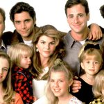 Its official: @Netflix orders #FullHouse revival, 13 episodes to arrive in 2016: http://t.co/zYGedUyJOY http://t.co/L47ihukCXA