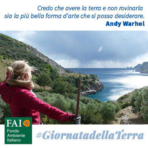Oggi è la #GiornatadellaTerra. Aiutaci a proteggerla, per sempre e per tutti: http://t.co/jAgvznSsLY http://t.co/L3lqgoQ8Ki