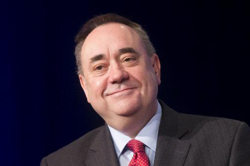 """#HeartScotland @AlexSalmond responds to @David_Cameron joke: """"Tories have been picking Scotland's pocket for years."""" http://t.co/8H9xdDpCQz"""