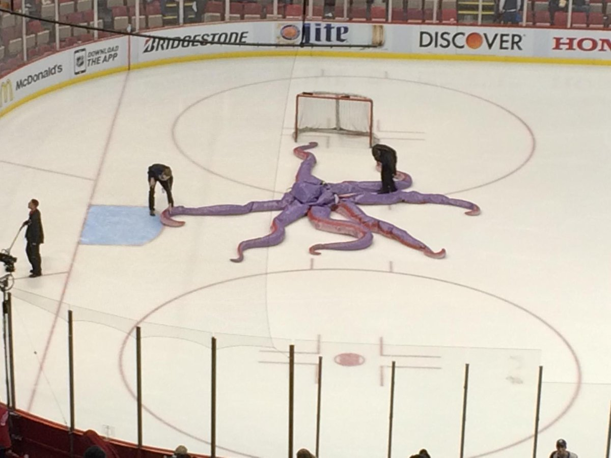 This pretty much sums up #redwings night. Splat. http://t.co/wirgbyWpMu