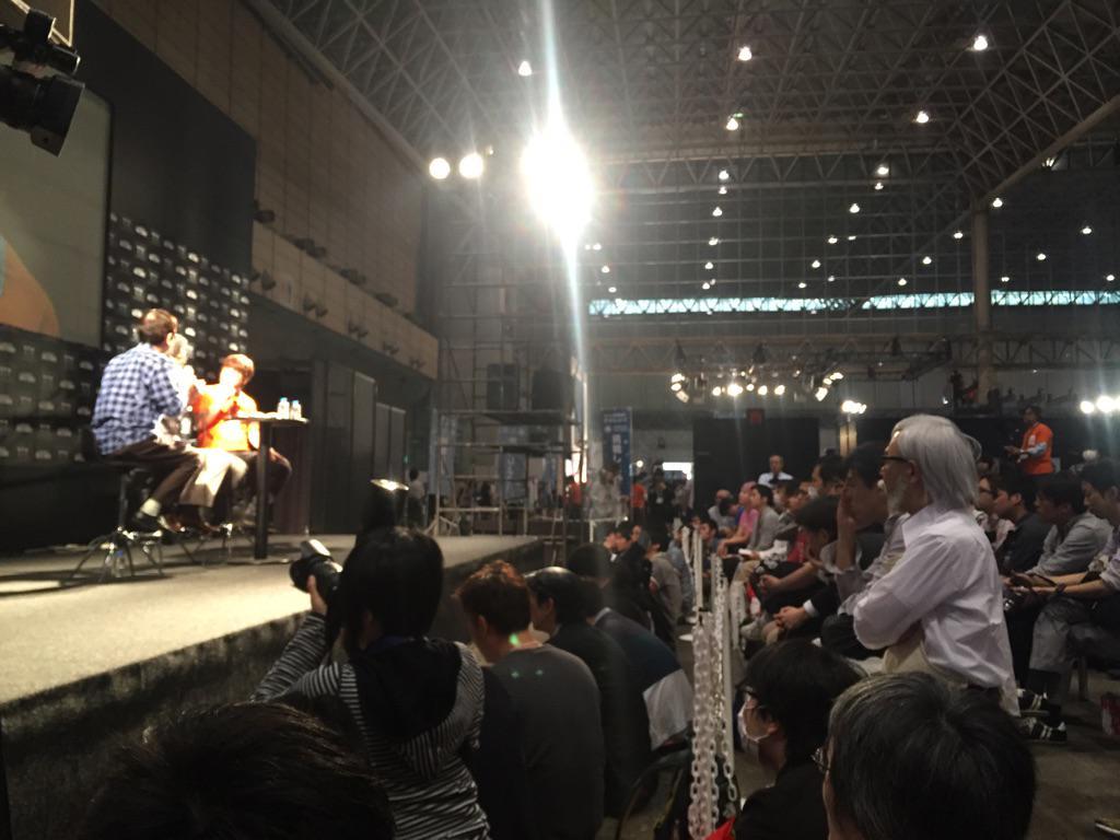 庵野秀明とかわんごの対談を見守る宮崎駿w #ニコニコ超会議2015 #ギズモード http://t.co/Ksq7s5Tfxv