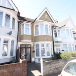 Dawlish Drive, Leigh On Sea - £204,995 A very deceptive first floor apartment. https://t.co/AavntRVU73 http://t.co/zB2WokSXs0