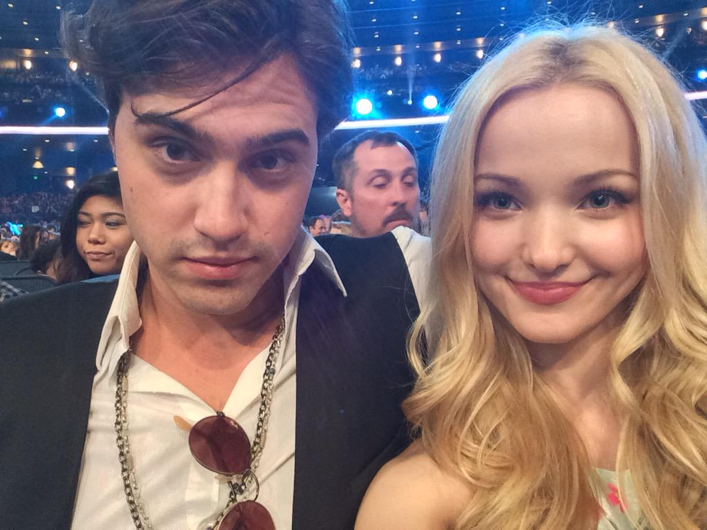 Dove Cameron (@DoveCameron): Found our seats!! :))) http://t.co/lzbHU16kSM