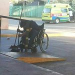 Se llama Marco y trabaja en el Hospital San José El se merece los 5 millones @KarendTV #FARKASDIADELTRABAJADOR RT http://t.co/dAXacmao5a