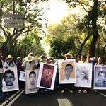 Siete meses después, el gobierno sigue empeñado en negar la desaparición de los 43 http://t.co/fMsHiJ2ctP http://t.co/rm0I3v8JXY
