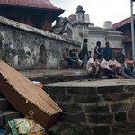 Pasan las horas y se agotan esperanzas de hallar más sobrevivientes en Nepal http://t.co/qzHUNk2QMI http://t.co/6aVq1Rokh1