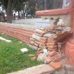 Poco a poco destruyeron el muro poniente del ovalo Alameda de #Curicó. http://t.co/3jSKiSEWxq