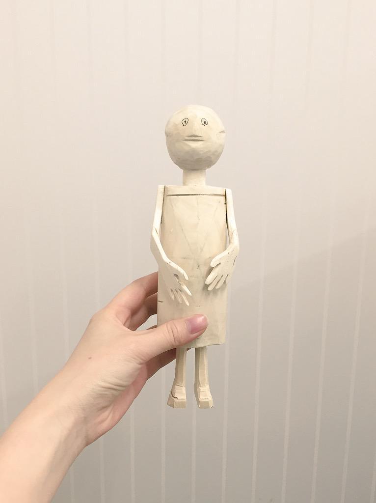 仲良しの定年再雇用のおじちゃん(70) 新たな趣味を模索して目覚めたのが木の仏像彫りと聞いて、見せてもらった作品がこちらです。ご確認ください。 http://t.co/MWPokEUN7L