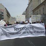 On na pas tout essayé contre le #chômage: @atdqm défile à Paris avec des chômeurs, des élus et des employeurs. http://t.co/Y706nwZaSn