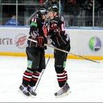 "Не дай Бог! ""Авангардовцы"" Калинин и Пивцакин планируют продолжить карьеру в #НХЛ http://t.co/DJIfhmzhT9 #Омск http://t.co/7yXM1finqi"