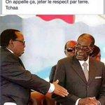 Un vrai gars #Mugabe: il refuse de serrer la main au Roi des Zoulous, chef de la croisade anti-immigrés. #Xenophobia http://t.co/HUAuG350UL