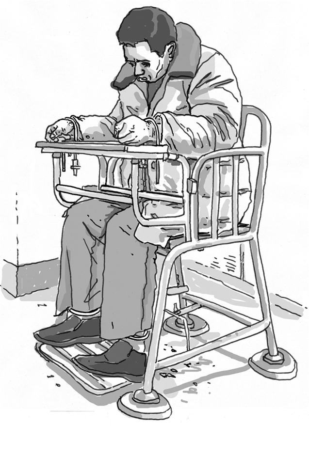 人权观察最新报告发现,中国警察对刑事嫌疑人施加 #酷刑 和虐待的问题仍旧严重,新措施远远不足以打击嫌疑人受虐问题。报告《老虎凳与牢头狱霸:中国公安对犯罪嫌疑人的酷刑》:http://t.co/KJD5c4nP63 http://t.co/yJAGY6xxVG