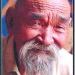 Миний өвөө шиг сайхан хүн. Мундаг жүжигчин байлаа. http://t.co/QgVre9Bxee