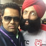 Who's this bloke on my left??? #KKRvKXIP #IPL http://t.co/cm5A4I6OHY