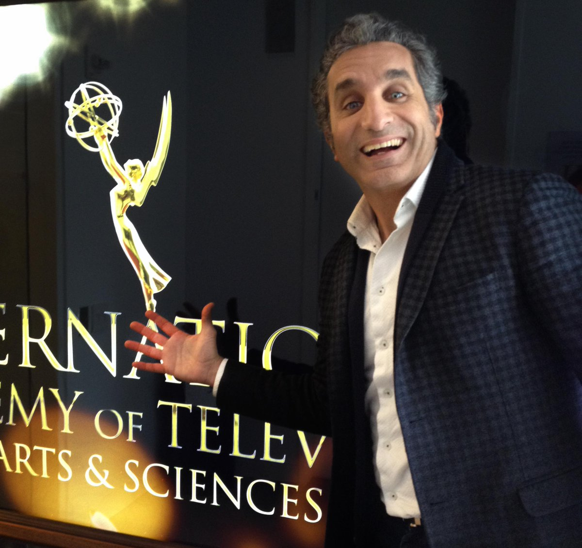 @DrBassemYoussef to host the International Emmy® Awards November 23 in New York! #iemmys  http://t.co/KWfL0n6OJu http://t.co/8ji1YyNrgc