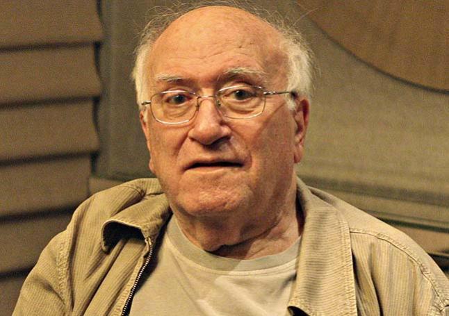 Fallece a los 88 años Vicente Aranda, director de películas como Amantes o Juana la loca. http://t.co/1pZy8MGLY3