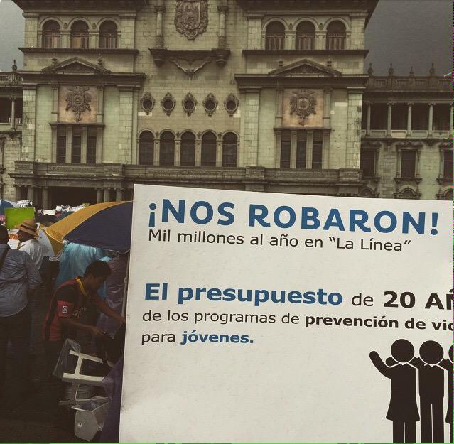 !Basta! Al sistema político corrupto #RenunciaYaFase2 #NoMasCorrupcion #vamosGuate http://t.co/cPobai9lBZ
