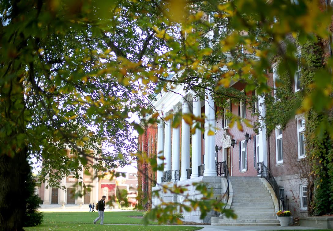 #HolyCross ranks number 2 among the 10 best Roman Catholic colleges by @USATODAY http://t.co/lSPSWVLCpY http://t.co/ncTpFu52eo