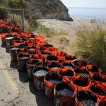 PHOTO GALLERY: Refugio Coast Oil Spill Cleanup. Photos © Paul Wellman http://t.co/4PybTtMt8i http://t.co/paJsecxmHb