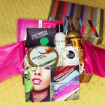 The pop-up giveaway last night was from @WeAreOnyx  and it was this beautiful box http://t.co/iHeMoBE6cq