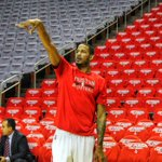 Ariza warming up. #Pursuit http://t.co/OvNmKC3swV