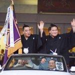 優勝パレードは兄弟子日馬富士と共に。おめでとう!照ノ富士! #sumo http://t.co/Dc1SUy045r