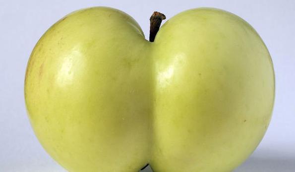 """@netechangisme:Mangez des pommes pr le #assmonday! @AvaCourcelles #KimKardashian #NickiMinaj #joliesfesses"