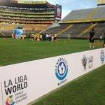 @RCDEspanyol en cancha del #MonumentalBancoPichincha para el reconocimiento de cancha #LaLigaWorld #CopaEuroamericana http://t.co/ZpcYi9oF4M
