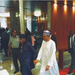 Pictured: Jonathan and Buhari hold hands as Aso Villa tourbegins http://t.co/lOk9ROfvQ9 http://t.co/KNdFL3Z1kq